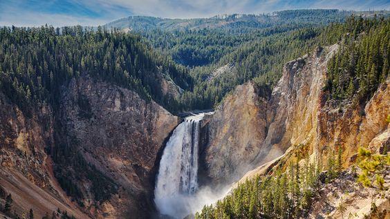Virtual tour around Old Faithful, Yellowstone National Park