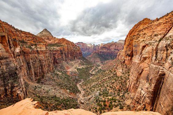 Virtual tour around Zion Canyon