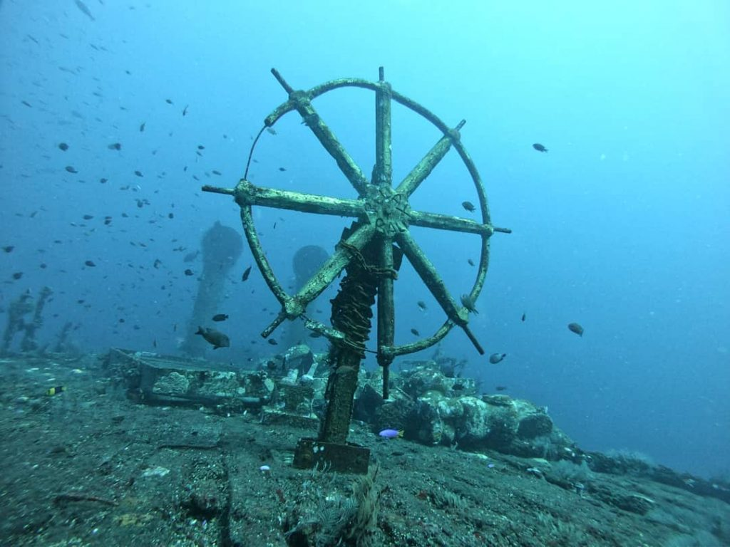 What to See in Kubu Boga Wreck