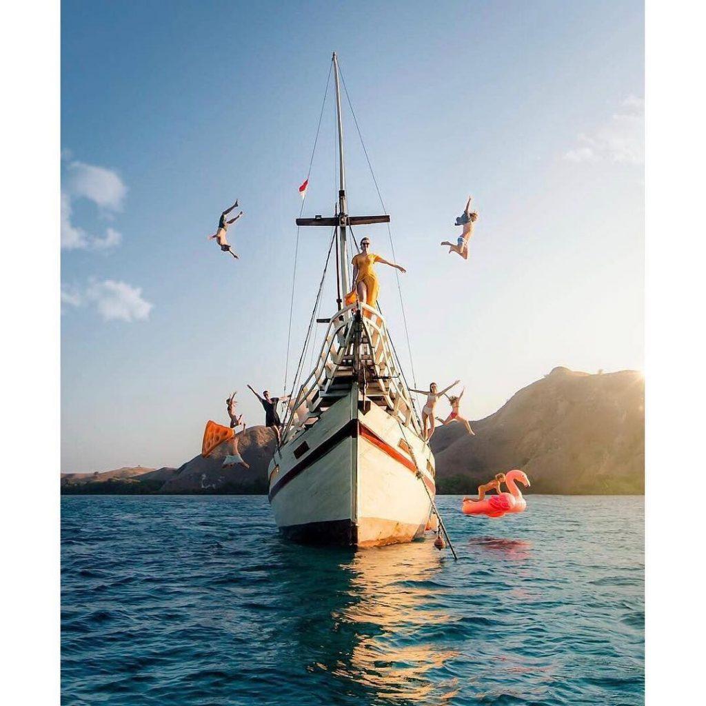 Komodo Island Sailing Tour