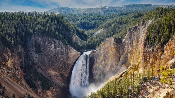 Virtual tour around Old Faithful, Yellowstone National Park